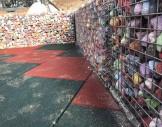 2x2 cm tellerle, renkli taşlarla hazırlanmış gabion oturma bankları -3